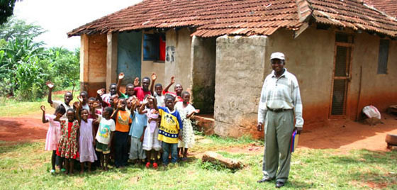 AIDS orphans in Africa at Kenyan orphanage